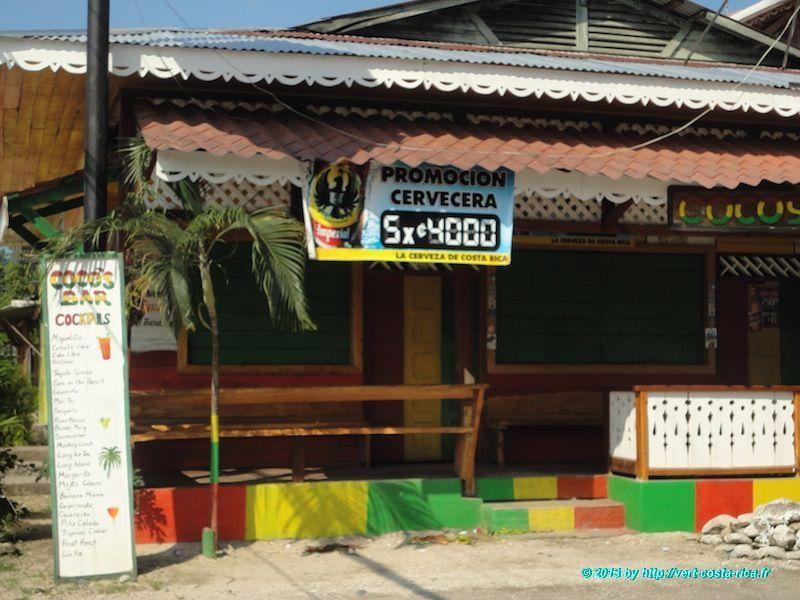 Bar restaurant dans le village de Cahuita au Costa Rica