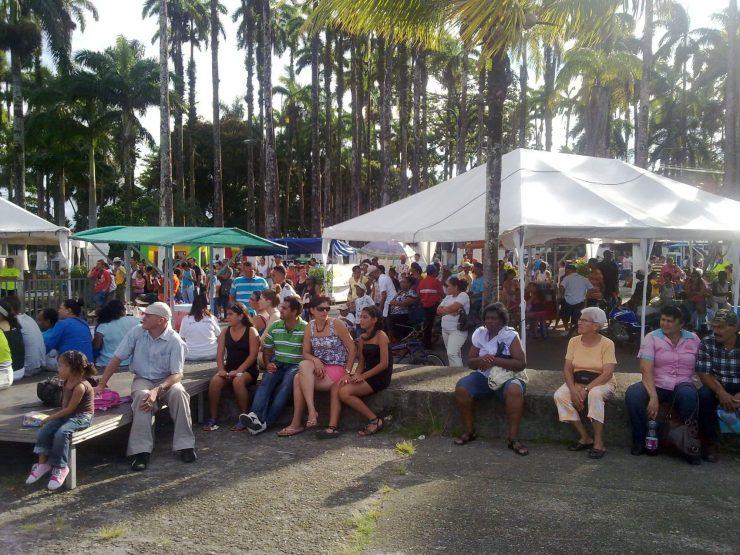 Costaricain ou Costaricien ? - dans la Ville de Limon -- Côte Caraïbe