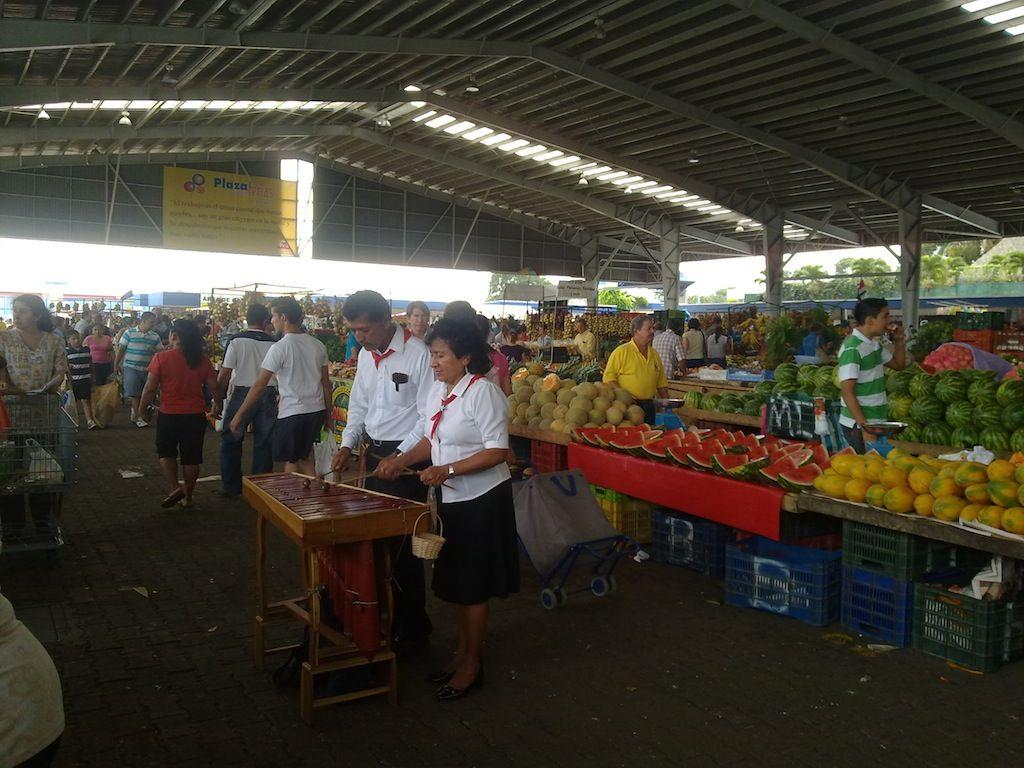 Marché d'Alajuela - Costa Rica - jus de fruit frais