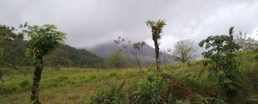 Le Volcan Arenal dans le brouillard - Costa Rica