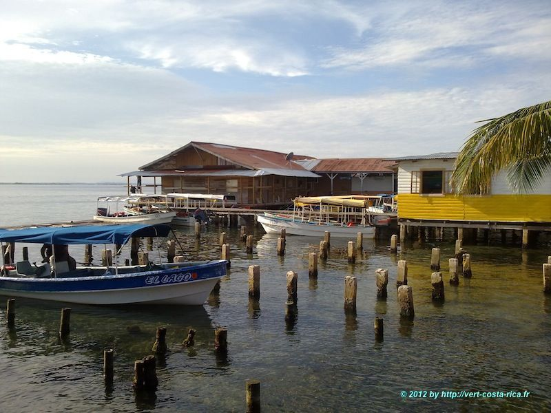 Village de Bocas del toro - excursion à Bocas del toro