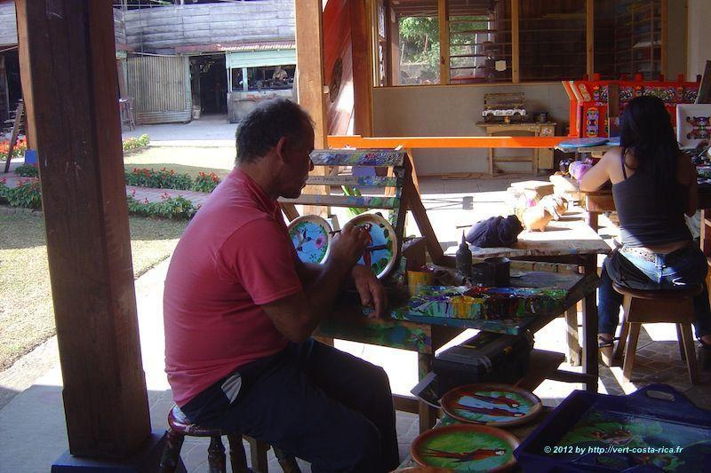 Atelier de peinture de Sarchi, ville de l'artisanat du Costa Rica