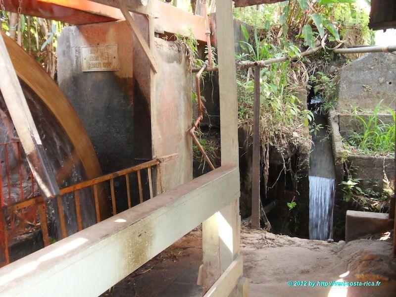 Roue à eau - Ateliers de fabrication de la Carreta à Sarchi