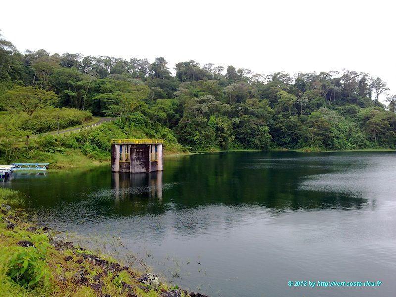 Image du volcan Arenal et du lac Arenal au Costa Rica
