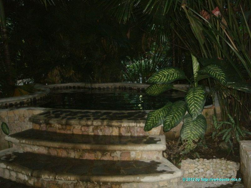 Arenal, image des sources d'eau chaude de Baldi