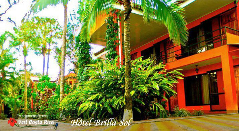 H tel brilla sol jardin tropical et piscine a roport for Piscine jardin tropical