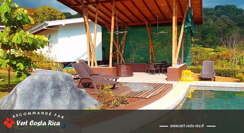 Eden Tica Lodge : Jardin paradisiaque à Uvita