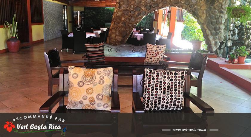 Hôtel Las Espuelas : héritage colonial à Libéria
