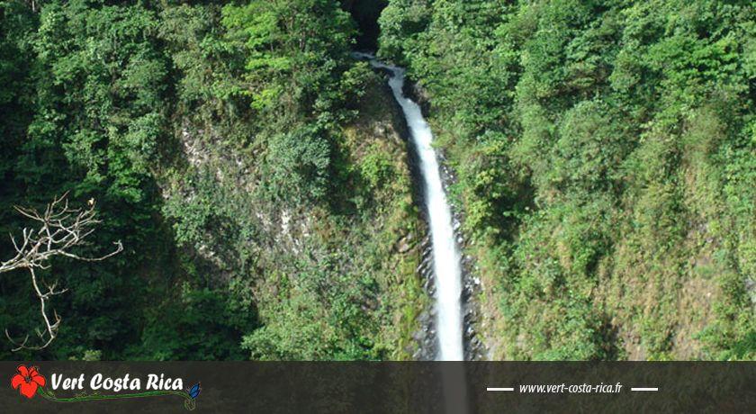 La Cascade du Rio Fortuna et la piscine naturelle «El Salto »