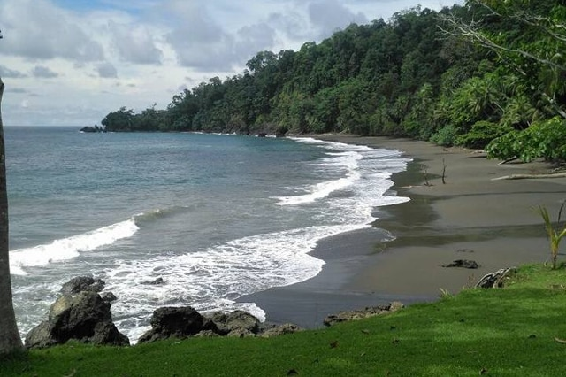 plage Pack-corcovado-service-vertcostarica