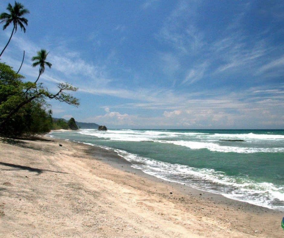 Plage Hermosa pour le surf au Costa Rica