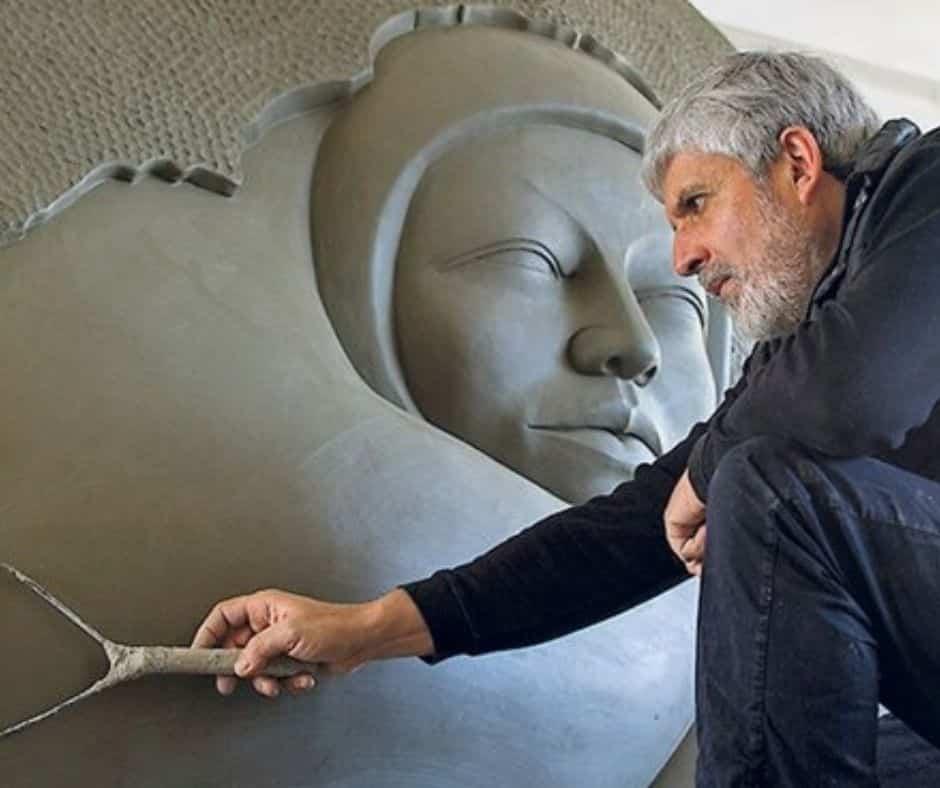L'artiste costaricien Jimenez Deredia