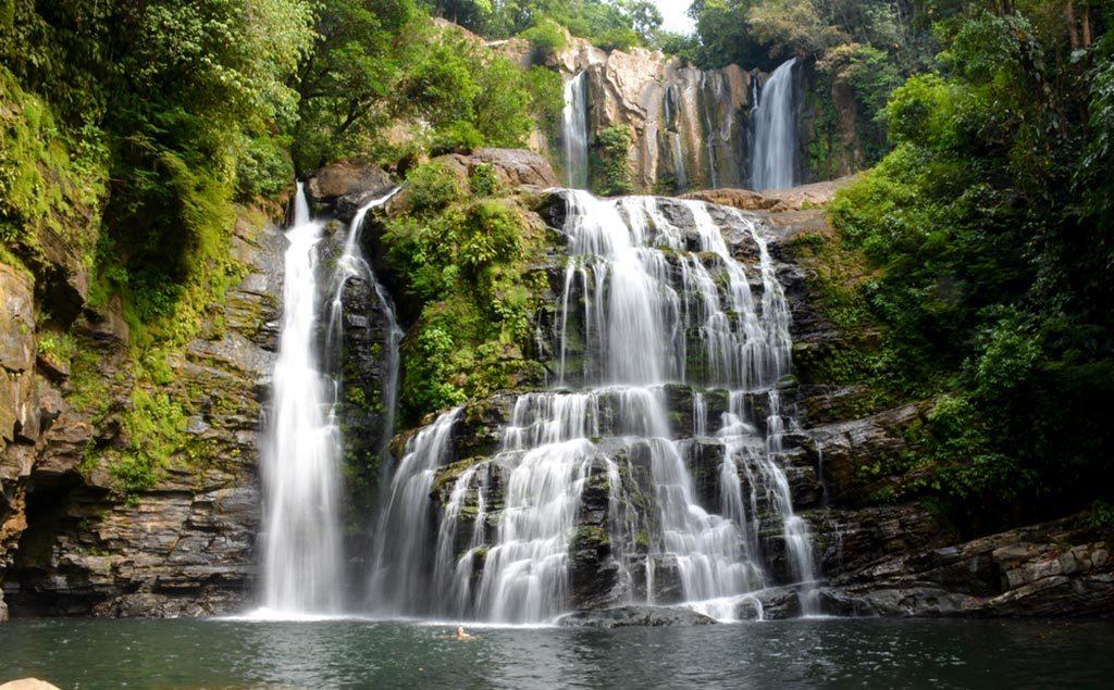 Cascade Nauyaca au Costa Rica